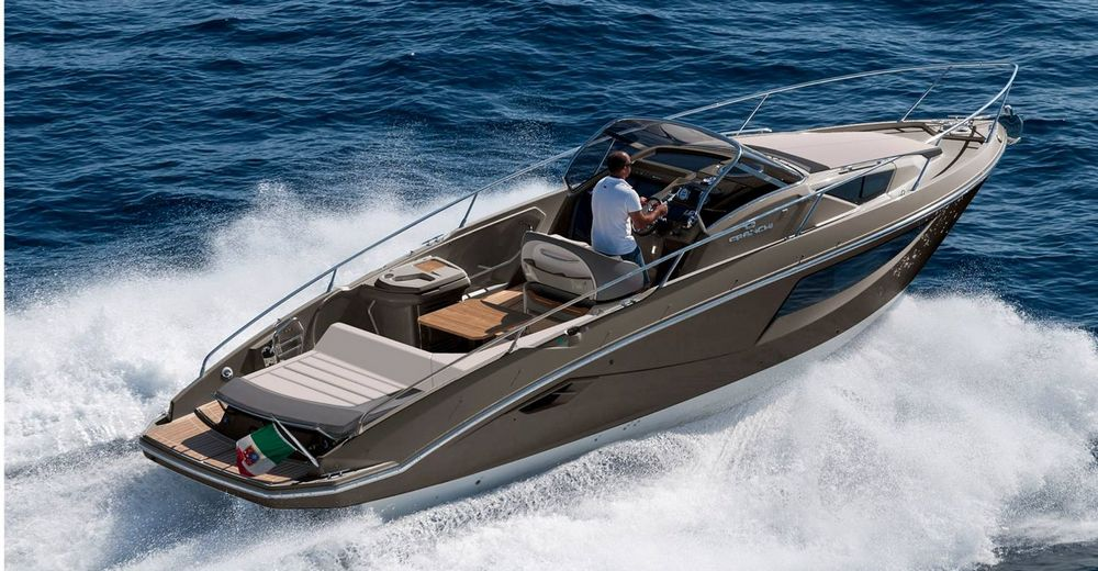 Lake como taxi boats boat rental with driver for Cabina nel noleggio lago tahoe